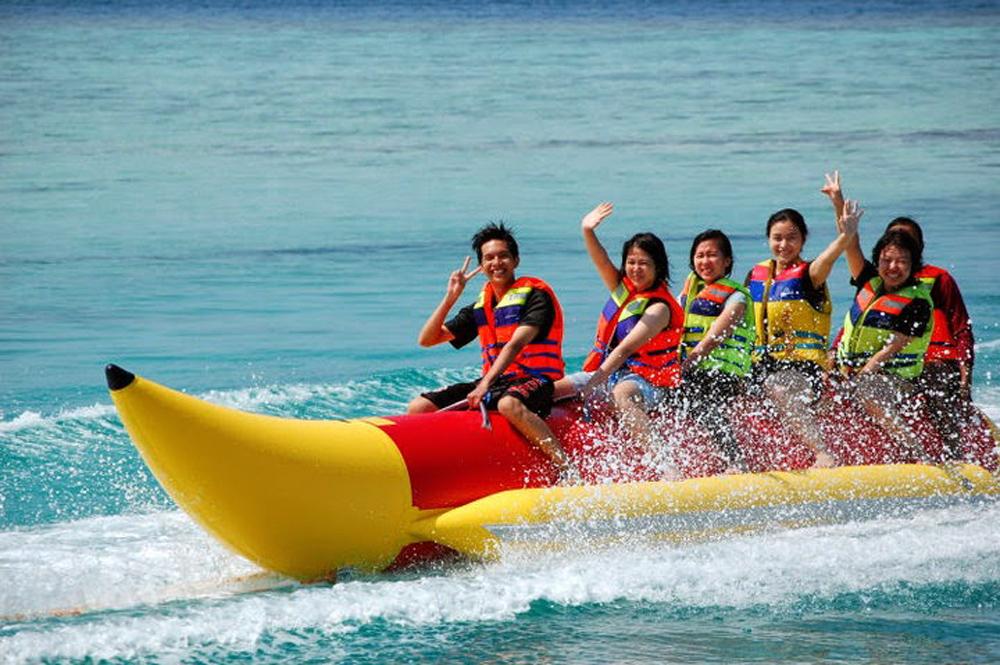 Pangandaran Banana Boat - YOEXPLORE.co.id