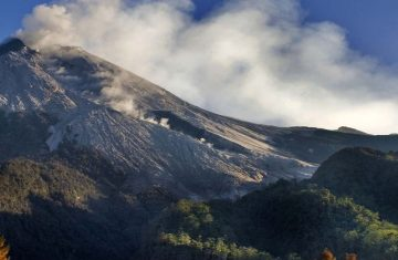 climbing mount merapi - Mount Merapi Tour Packages, YOEXPLORE