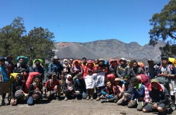 mount rinjani hiking open trip - Mount Rinjani Tour Packages, YOEXPLORE
