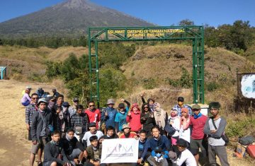 mount rinjani trekking package - Mount Rinjani Tour Packages, YOEXPLORE