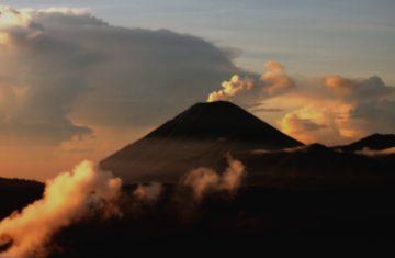 mount semeru trekking - Explore Indonesia, YOEXPLORE