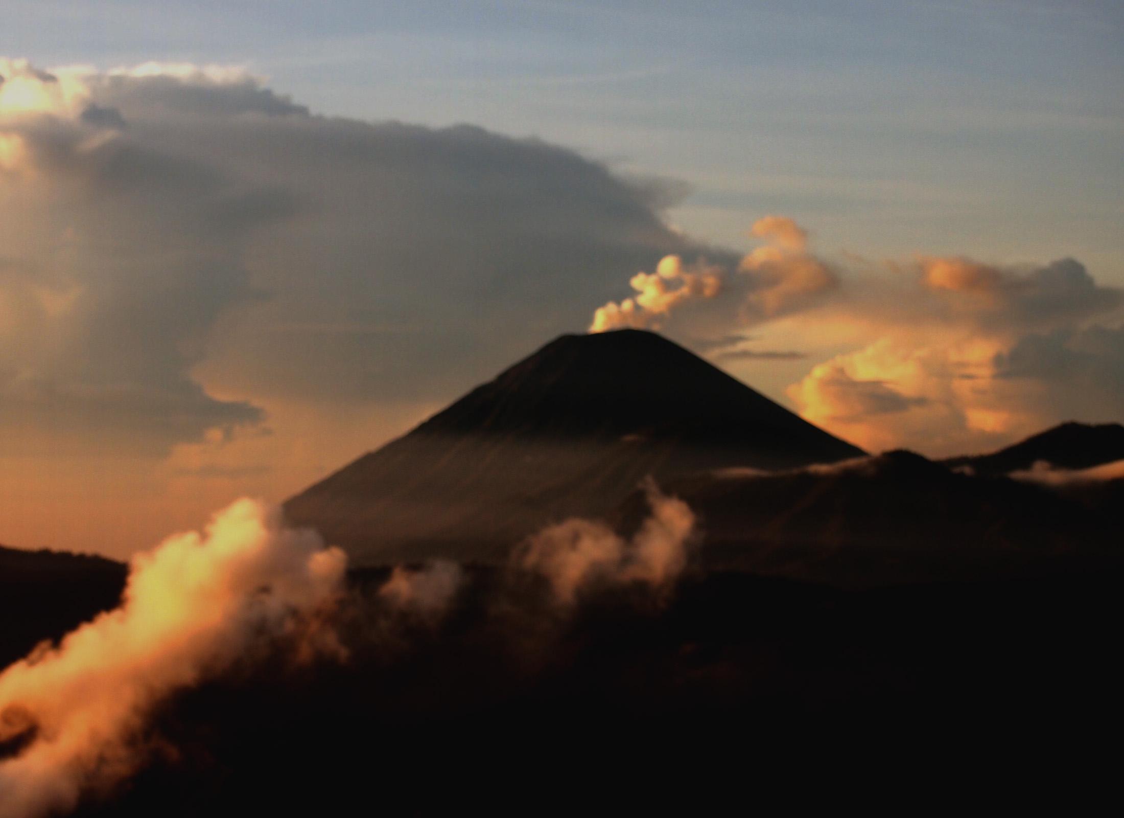 Mount Semeru - mount semeru trekking - Explore Indonesia, YOEXPLORE