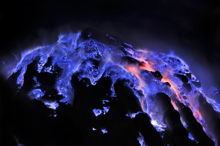 Blue Fire National Geographic - Open Trip Premium Ijen Blue Fire - Ijen Crater Tour Packages, YOEXPLORE