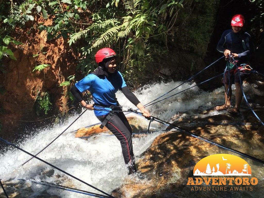 Waterfall abseiling - ulu geruntum waterfall abseiling - Explore Asia, YOEXPLORE