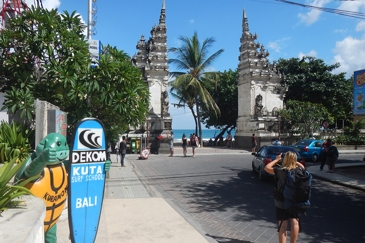 Dekom surf school in Bali -  Yoexplore- Bali