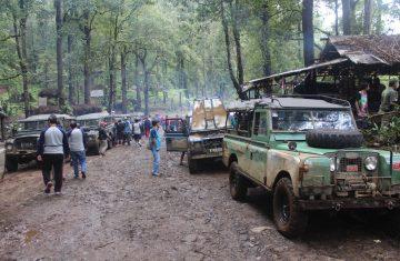 Explore Indonesia - Adventure Offroad Lembang 1 Hari: Memacu Adrenaline di Hutan Wisata