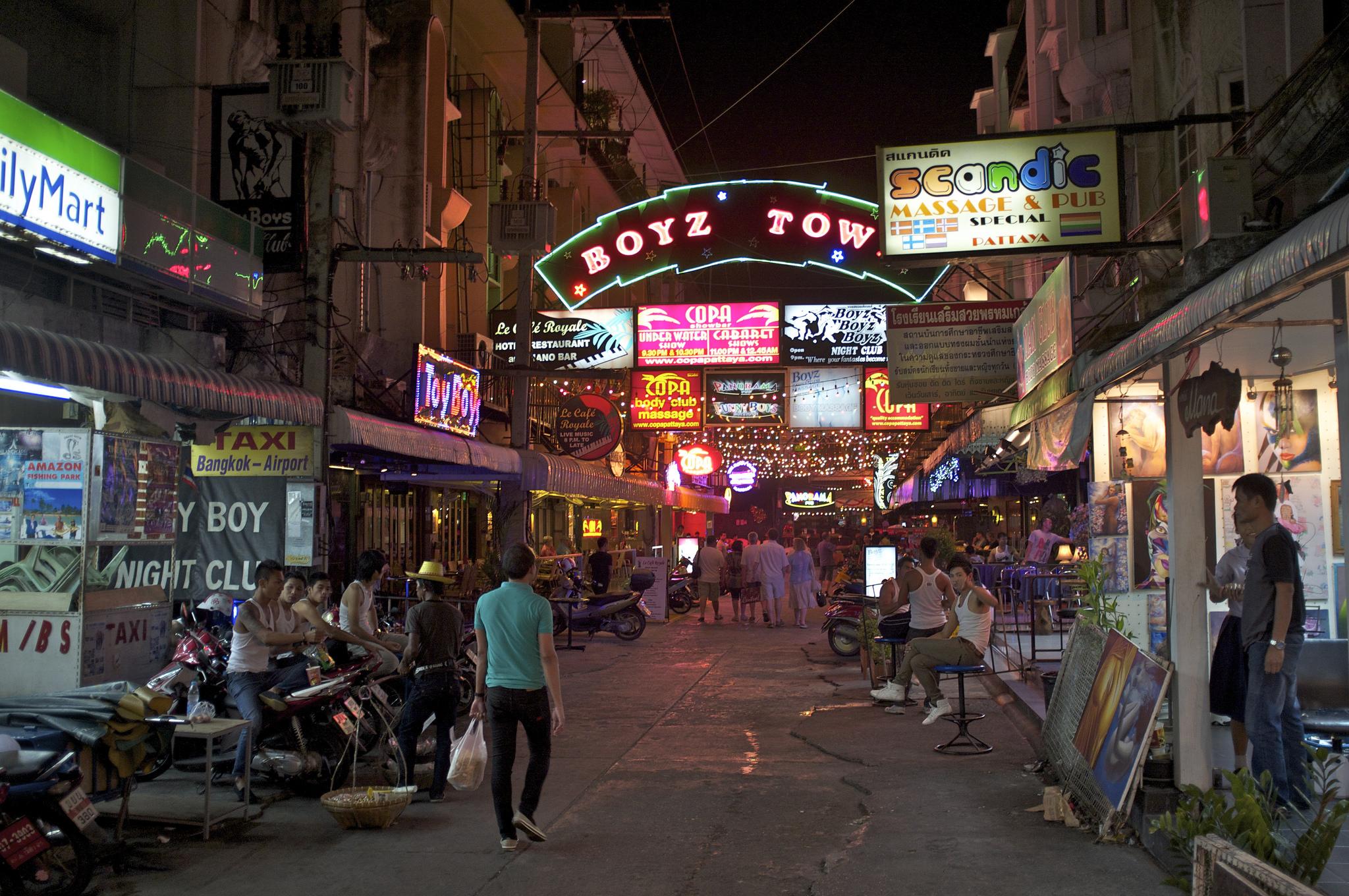 Pattaya-at-Night-5